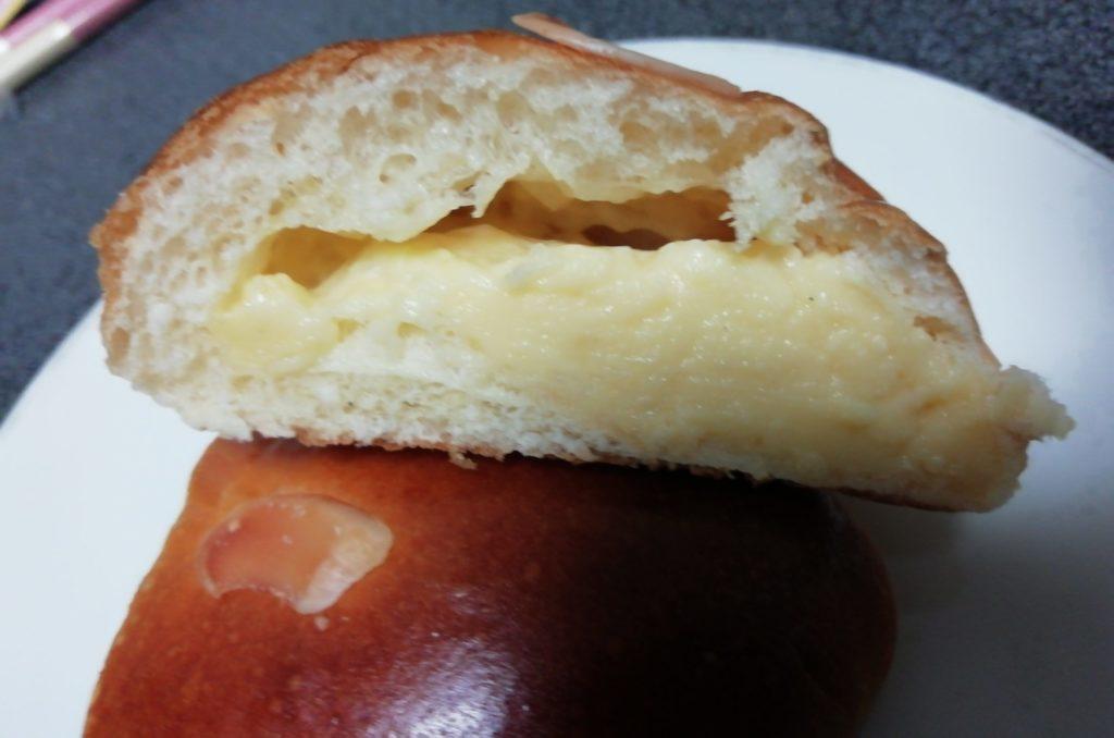 伊三郎製ぱん クリームパン